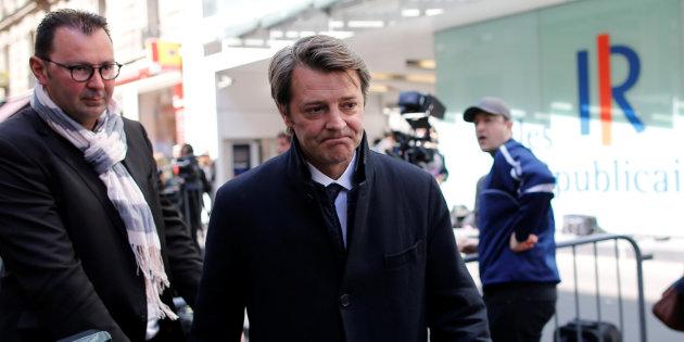 Actualite Actualite La droite vole au secours de Valls... pour mieux taper sur Macron