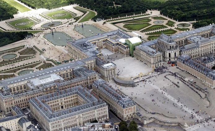 Actualite Actualite Poutine reçu à Versailles : pourquoi Macron a-t-il fait ce choix ?