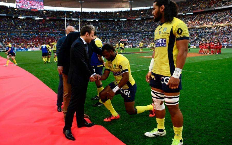 Sports Sports Top 14 : les joueurs fidjiens s'inclinent devant Macron avant la finale