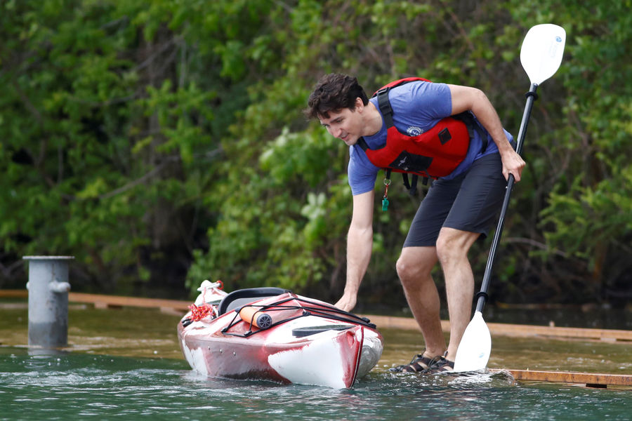 International International Pour la Journée de l'environnement, Justin Trudeau fait... du kayak