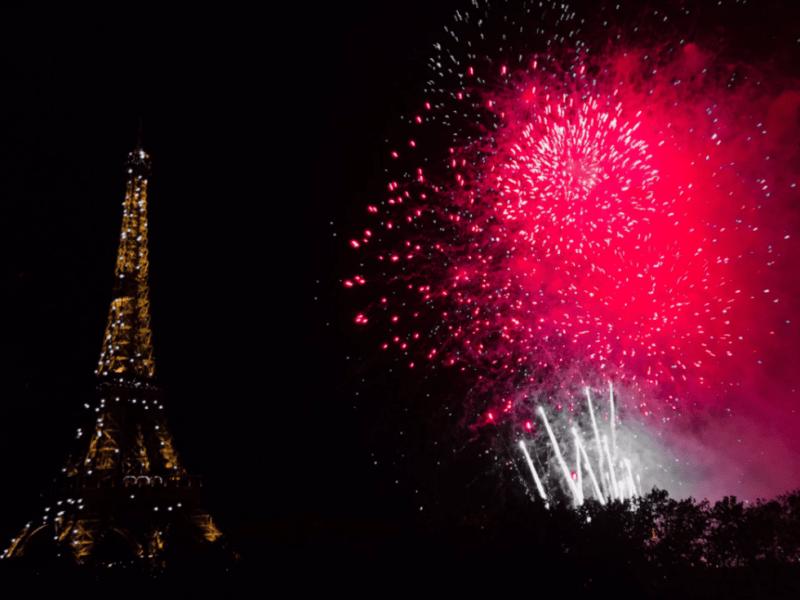 """Paris Paris Panique après un feu d'artifice à Paris: la mairie avoue un """"défaut d'information"""""""