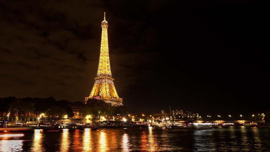 Paris Paris Le monde vient à Paris, mais Paris ne s'ouvre pas au monde