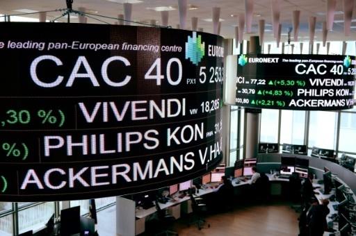 Paris Paris La Bourse de Paris reste bien orientée après les débuts de Wall Street