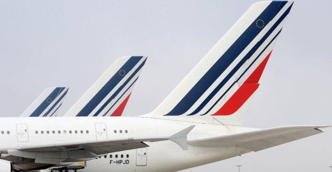Tourisme Tourisme Air France : après des mois de conflit, un accord majoritaire sur une hausse des salaires