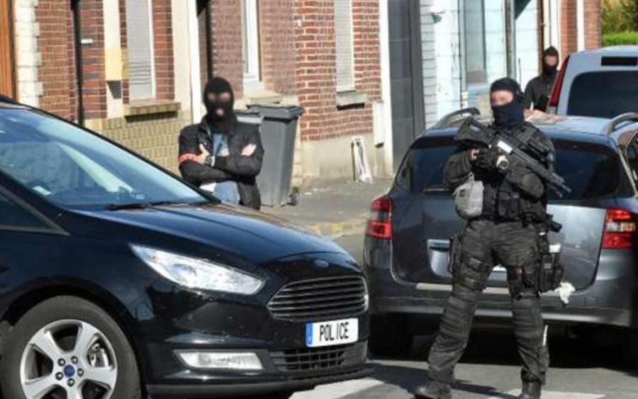 Paris Paris Six personnes soupçonnées de préparer une action violente contre Macron arrêtées