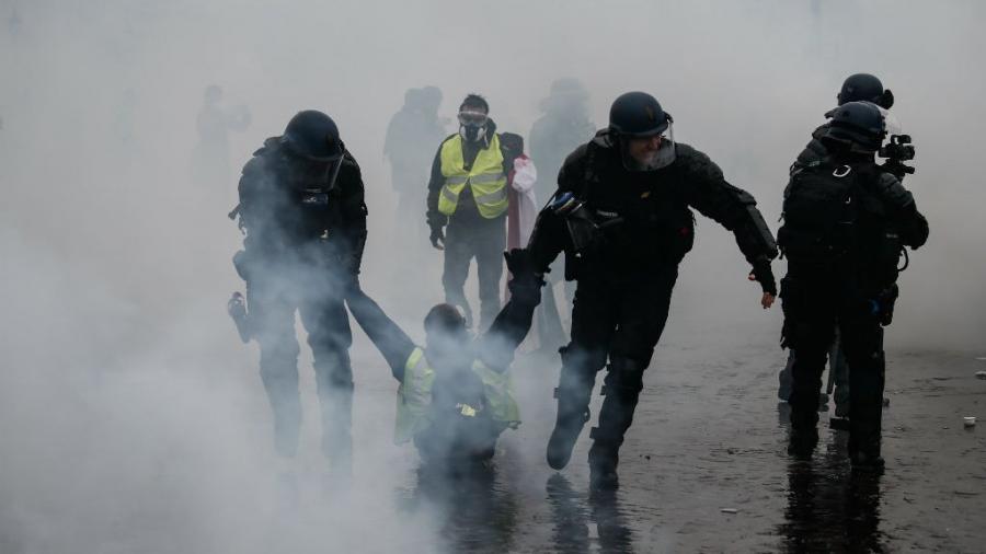Paris Paris Violences à Paris : des peines de 3 à 8 mois avec sursis pour les casseurs