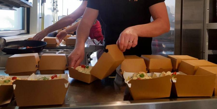 Paris Paris Des restaurateurs de la plage du Havre cuisinent pour les soignants en lutte contre le coronavirus